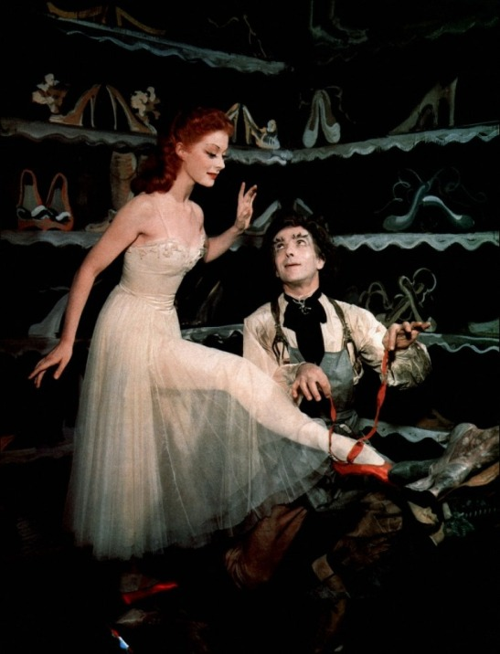 Leonide-Massine-and-Moira-Shearer-in-The-Red-Shoes