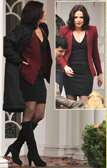 reginas-burgundy-blazer